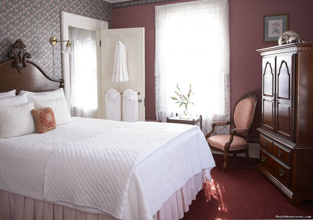 Victorian Charm #15 | Image #10/18 | Maine Stay Inn - Premier Kennebunkport B&B