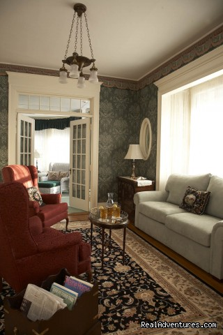 Deluxe Fireplace Suite #12 - Maine Stay Inn - Premier Kennebunkport B&B
