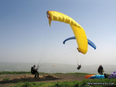 gliding at Sharona cliff (jumping to Yavneel valley) - Karaso galillee country lodging