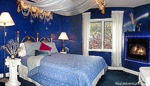 Starlight bedroom - Escape from Reality at Blue Skies Inn B & B