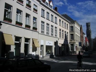 Small romantique boutique alegria at toplocation brugge for Hotel romantique belgique