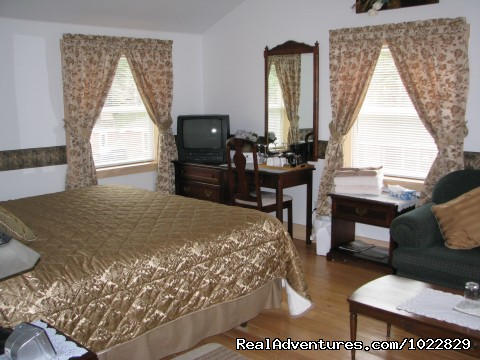 Meisner's Beach - King Suite - Anchorage House & Cottages