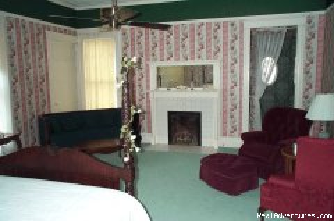 Powerscourt suite - The Wicklow Inn. Inc.