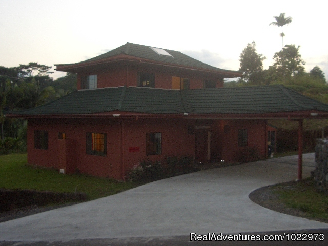 Harmony House - The Inn at Kulaniapia Falls
