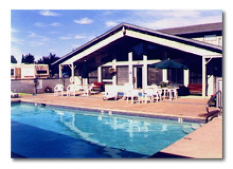 Portland-Woodburn RV Park -: Swimming Pool