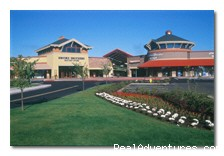 Woodburn Company Stores Outlet Mall - Portland-Woodburn RV Park -