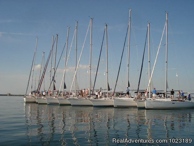 Team Building - Charter Service, Sailing School & Romantic Getaway