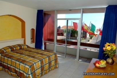 Del Real Suites Hotel