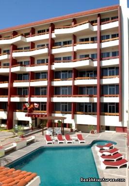 - Del Real Suites Hotel