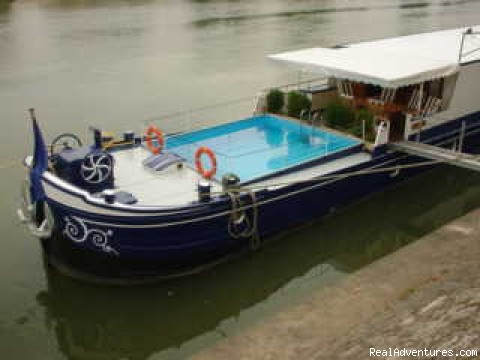 Luxury Hotel Barge Cruising in France: Barge Pool