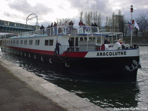 Arrival Anacoluthe Barge - Luxury Hotel Barge Cruising in France