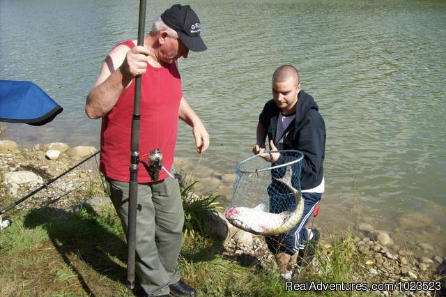 Fish in the Net - Family Fun, Golf, Fishing at Rosewood Cottages