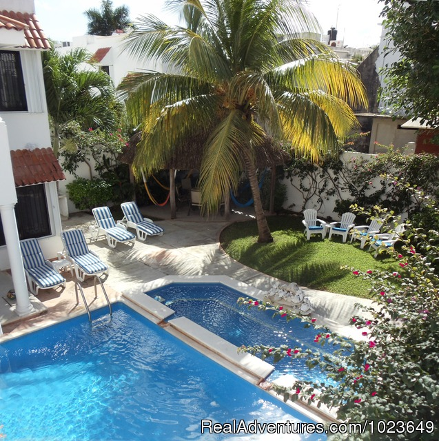 Cozumel 4 bd with 2 level pool, garden, hammocks
