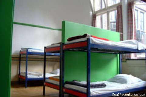 4, 6, 8, 12 and 16 bedded dorms - Shelter City Hostel