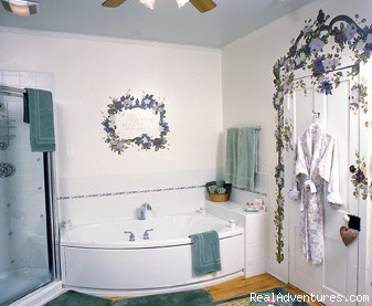 Garden Suite - Romantic Getaway in Lancaster County