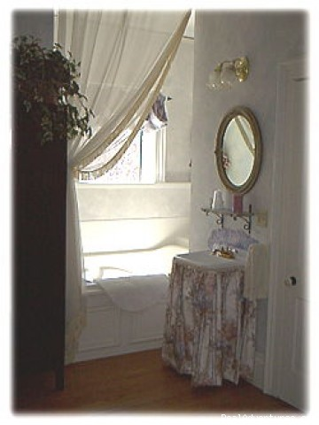 Romantic Weekend Getaway at Naeset-Roe Inn Stoughton, Wisconsin Bed & Breakfasts