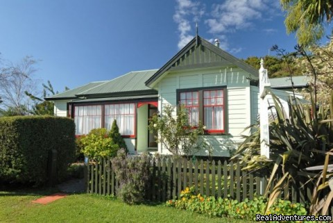 The Station House Motel Bed & Breakfasts Collingwood, New Zealand