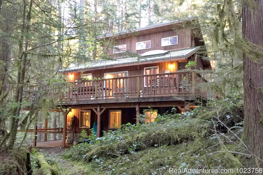 Mt. Baker Lodging - Cabin 6 | Image #11/21 | Mt. Baker Lodging Cabins at Mount Baker Washington