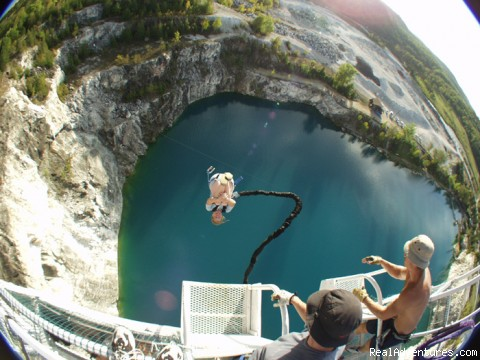 Bungee2 | Image #2/3 | Great Canadian Bungee
