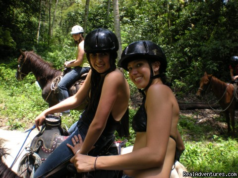Horseback riding in Honduras - Broadreach Summer Adventures for Teens