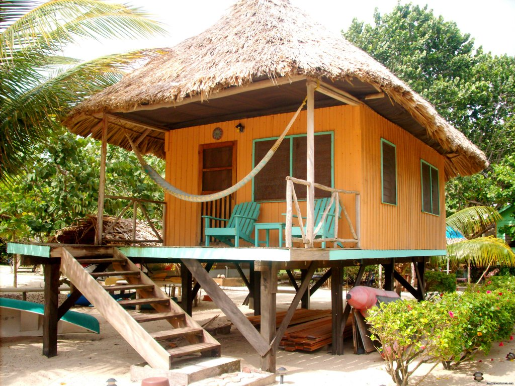 Parrot House Thatched Roofed Cabana | Image #15/24 | Green Parrot Beach Houses & Resort