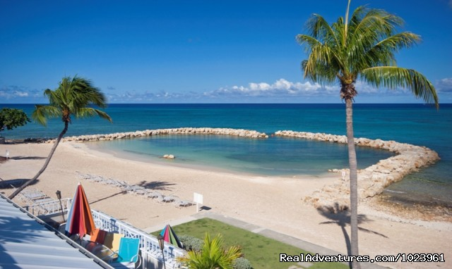 1-3 BR Condos, Seven Mile Beach, Grand Cayman: Sunset Cove Condos Beach and Swimming Cove