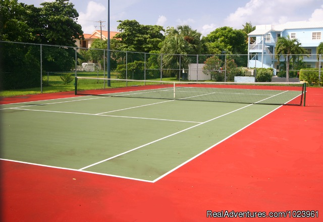 Grandview Condominiums Tennis Court - 1-3 BR Condos, Seven Mile Beach, Grand Cayman