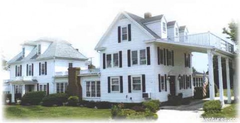 1848 Island Manor House Chincoteague Island, Virginia Bed & Breakfasts