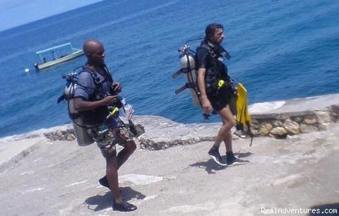 Scuba Diving in Negril Jamaica cliffside