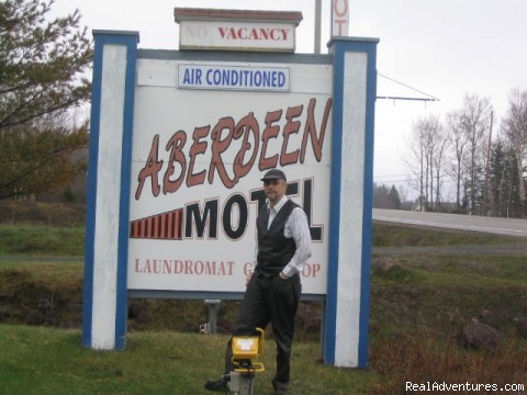 Aberdeen Motel & Chalets: Road Sign