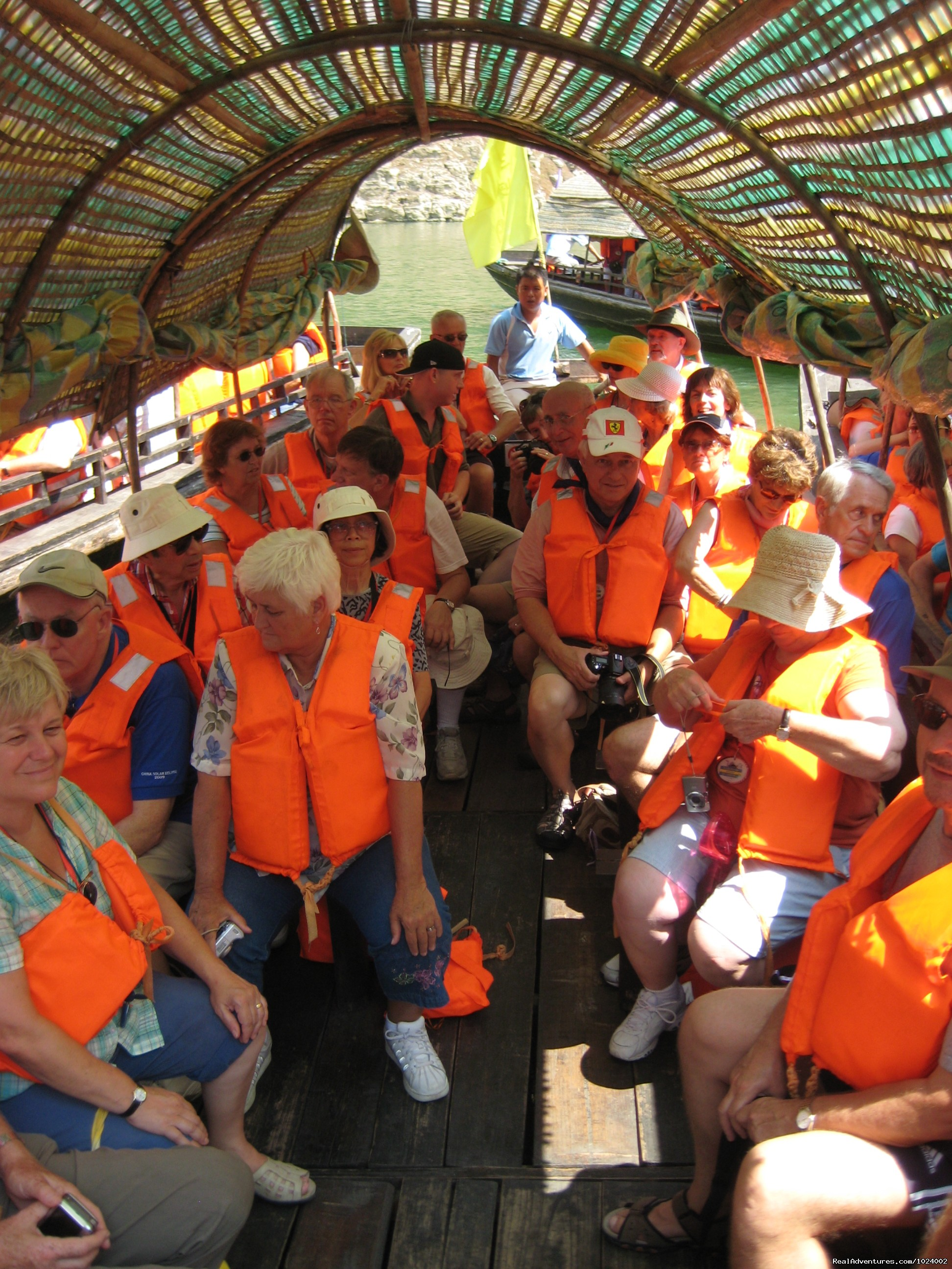 Sampan Boat Ride on Yangtze | Image #1/26 | Aihe, China | Sight-Seeing Tours | China Group and Private Tours