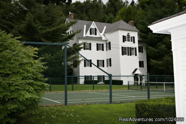 Tennis Courts - Echo Lake Inn