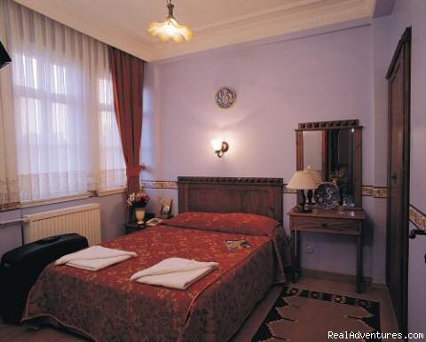 Hotel Tashkonak Istanbul Guest Room