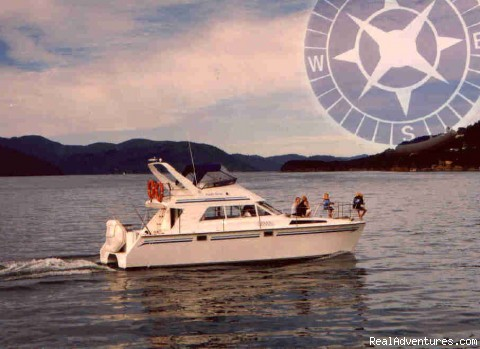 No wind: why not a launch? - Yacht and launch charter in the Marlborough Sounds