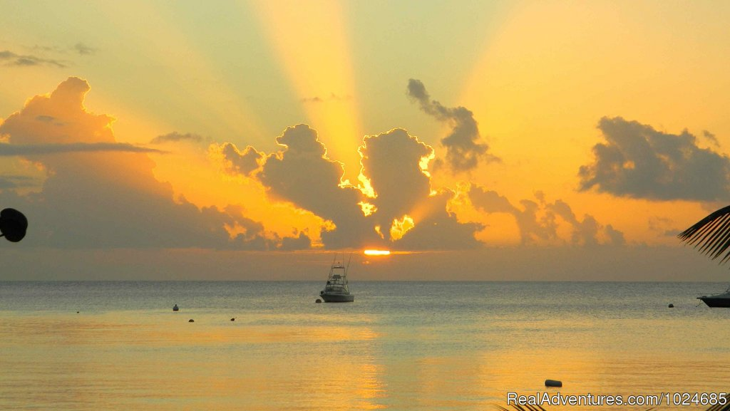 Sunset | Image #5/16 | Oualie Beach Resort, Nevis