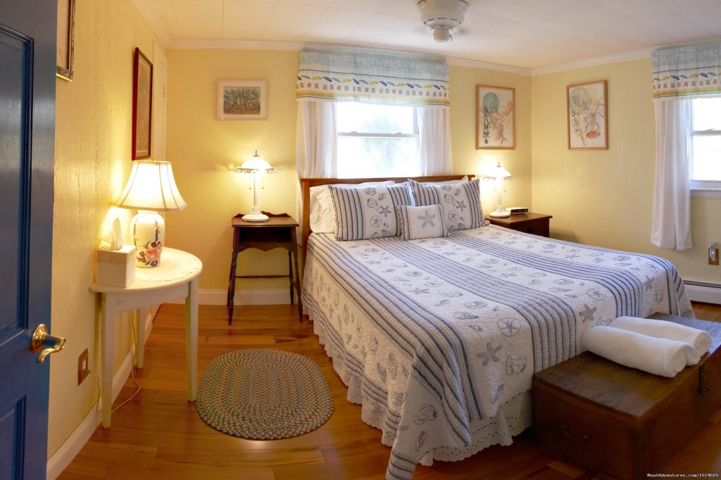 Beach Rose Room | Image #7/13 | A Beach House Oceanfront Bed & Breakfast