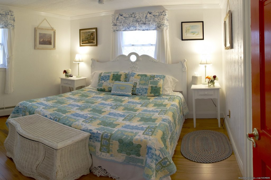 Periwinkle Room | Image #8/13 | A Beach House Oceanfront Bed & Breakfast