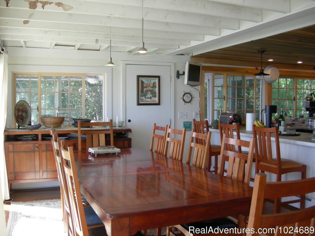 Dining Room | Image #11/13 | A Beach House Oceanfront Bed & Breakfast