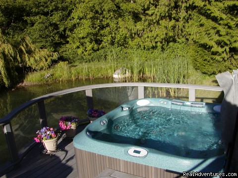 Linger in our hydrotherapy spa under the stars! - Romance & Spa Getaways at Lost Mountain Lodge