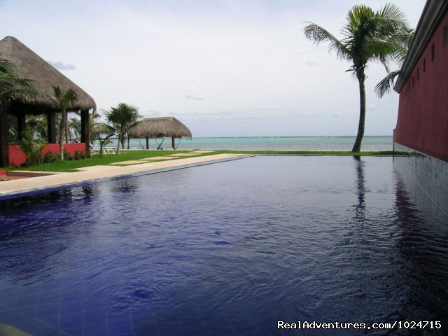 Wonderful Oceanfront Pools - Riviera Maya Villa & Condo rentals