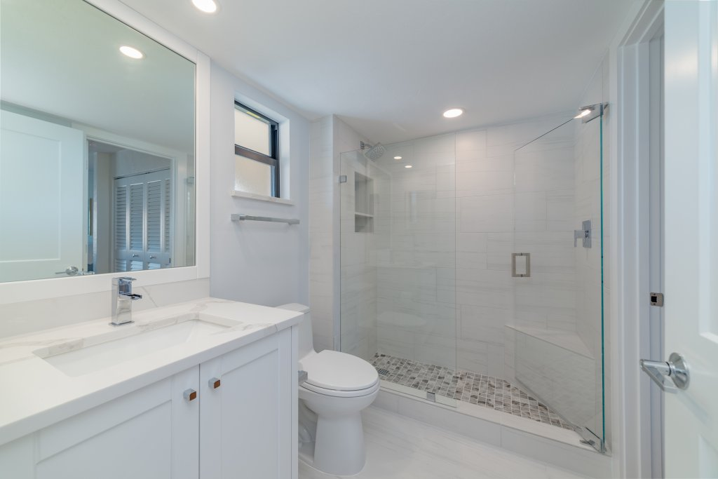 New Bathroom | Image #16/18 | Marco Island Waterfront Fun Anglers Cove Resort