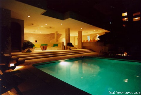 La Casa Blanca Guesthouse Pool @ night