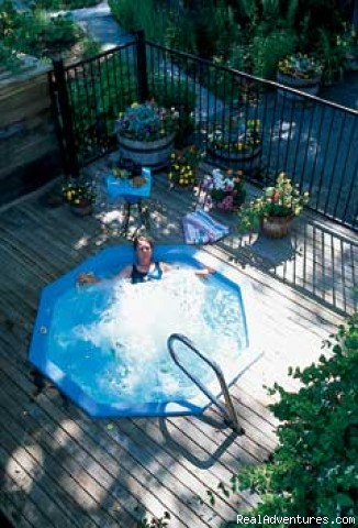 Outdoor Hot Tub - Casa de las Chimeneas Inn & Spa