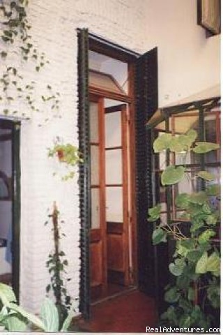 Courtyard 1 Tango Hogar - Tango Hogar Bed & Breakfast