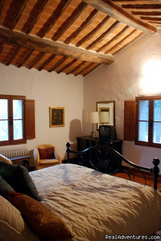Queen Bedroom - Villa Sant'Andrea Cortona