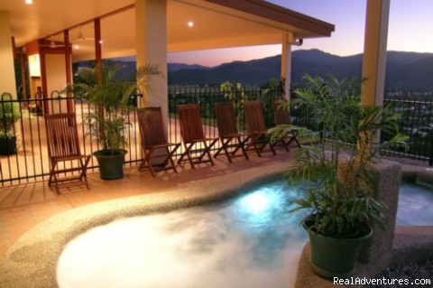 Heated pool and spa - Cairns Highlands Holiday houses & B&B's