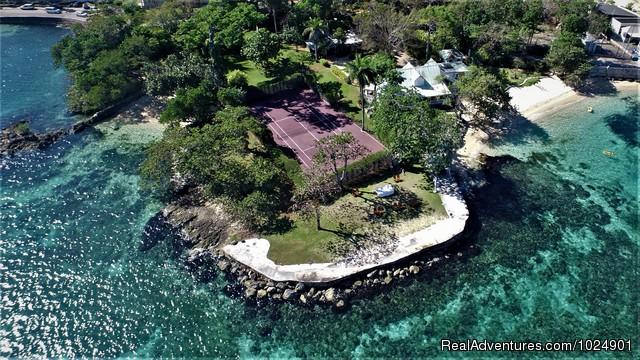Llantrissant - A Negril Beachhouse