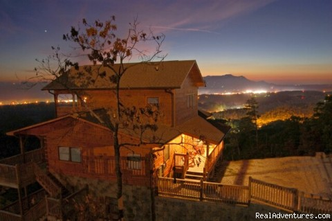 Evening on the Mountain - Premier Luxury Cabin Rentals Next  To Dollywood