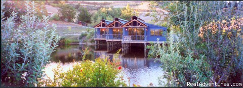 Aporo Pondsiders  secluded Luxury Cottages