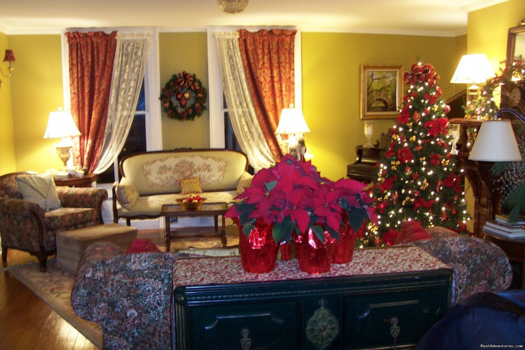 Arbor View House At Christmas | Image #9/21 | B&B Romantic Getaway near Greenport | Arbor View